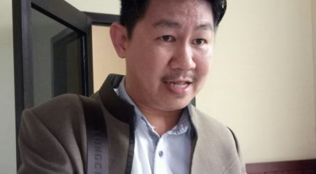 Wakil Ketua DPD NasDem Kota Surabaya Vinsensius Awey