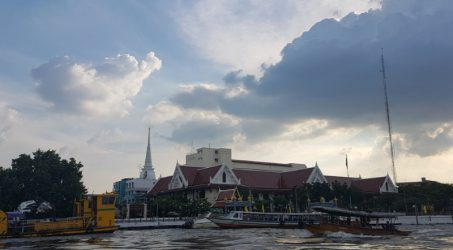 """Sungai Chao Phraya menjadi sungai utama pada masa kejayaan Kerajaan Siam. Atas hal itu sungai ini juga terkenal dengan julukan """"The River King"""" yang artinya """"Sungai para Raja""""."""
