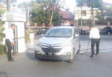 Pengamanan yang dilakukan oleh pihak Pemkot Surabaya terhadap kendaraan yang masuk