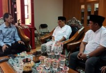 Pengurus DMI saat bertemu ketua DPRD Surabaya Adi Sutarwijono senin (16/12)