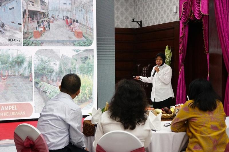 Walu Kota Surabaya Tri Rismaharini saat memaparkan program perlindungan anak di Kota Surabaya dihadapan menteri PPPA