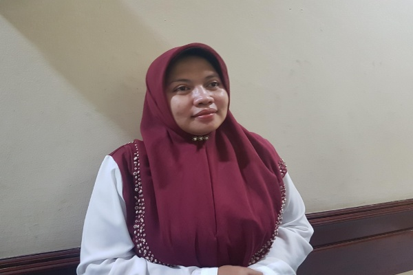 Ketua Komisi D DPRD Surabaya Khusnul Khotimah