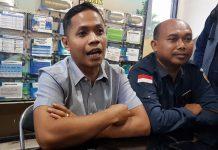 Muhammad Agil Akbar Ketua Bawaslu Surabaya saat memberikan keterangan kepada media